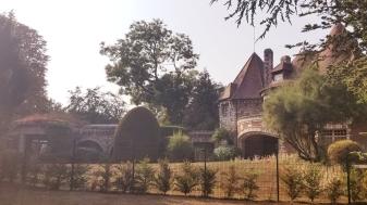 'burbs mansion