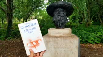Read some of hubby while sitting in front of Monet - even read a line about him in hubber's book!
