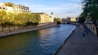 I'll never get tired of shots of the Seine